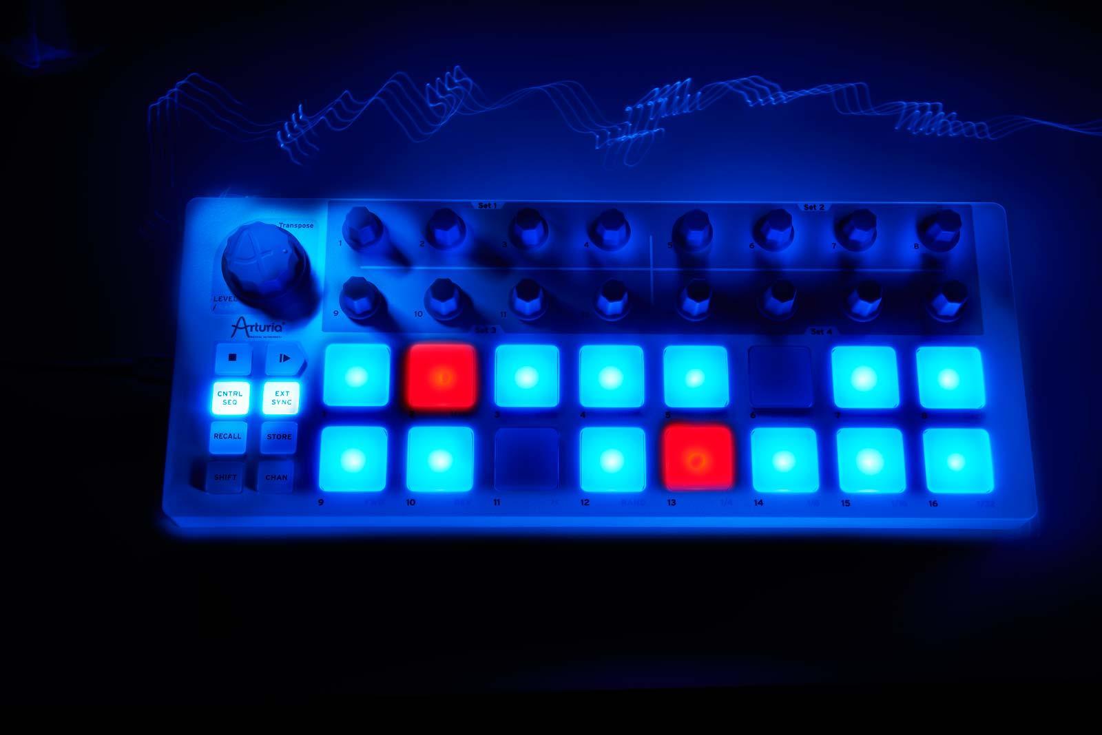 arturia beatstep usb  midi  cv controller and sequencer